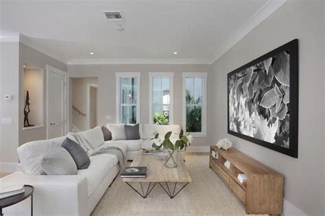 amazing crown molding ideas   home crown molding designs contemporary living room