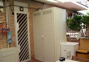 Casa moderna, Roma Italy: Armadi metallici per esterni