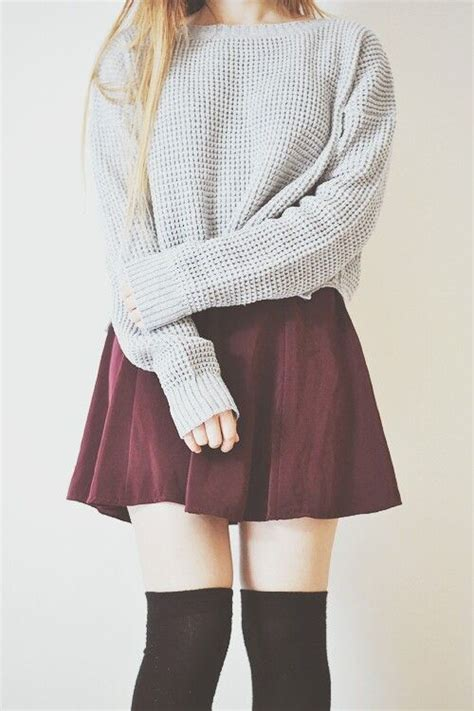 stylish fall outfit ideas    knee socks