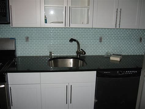 Clear Glass Tile Backsplash Pictures by Clear Glass Subway Tile Backsplash Quotes