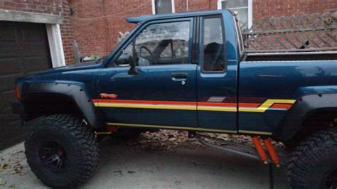 toyota pickup   manual trans   orig