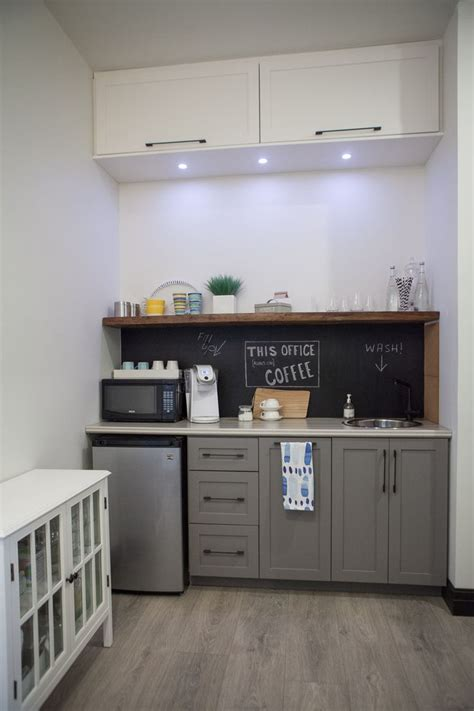 kitchen cabinets for office use 25 best ideas about small kitchenette on 8037