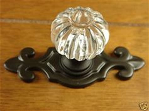 kitchen cabinet knobs with backplates 1000 images about cabinet hardware on dresser 7872