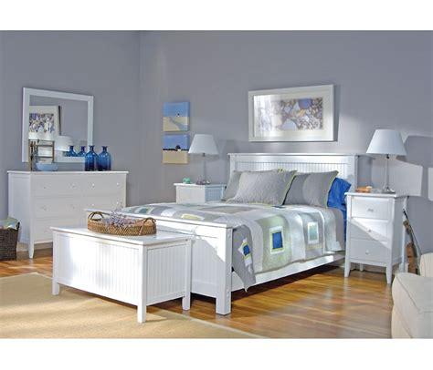 cottage queen panel bed  boston interiors decorating
