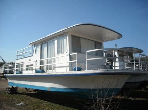House Boat Us by 17 Best Ideas About Pontoon Houseboats For Sale On