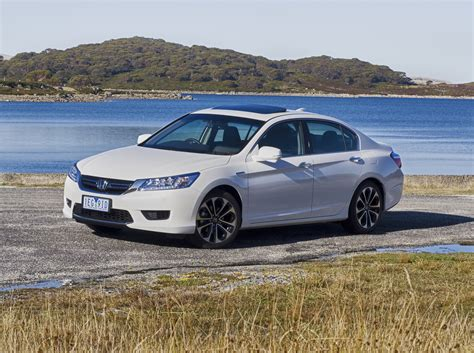 Honda Accord 2015 Reviews by 2015 Honda Accord Sport Hybrid Review Caradvice