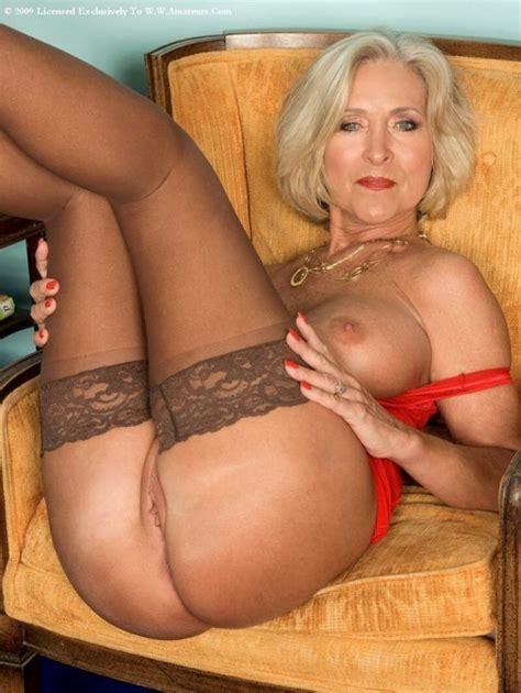 Classy Mature Moms Nude Xxgasm