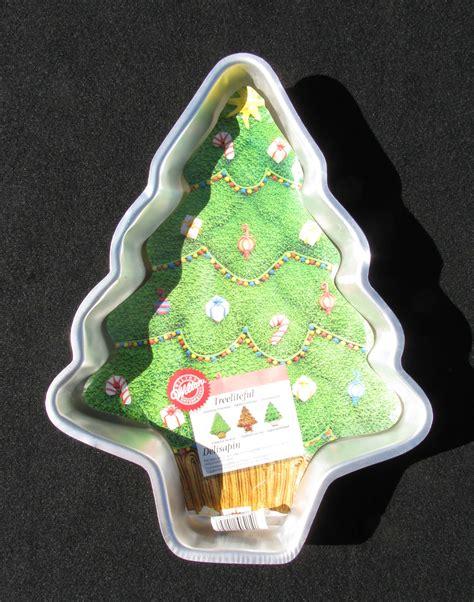wilton christmas tree cake pan with insert holidays family
