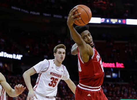 hoosiers outplayed   straight loss  wisconsin