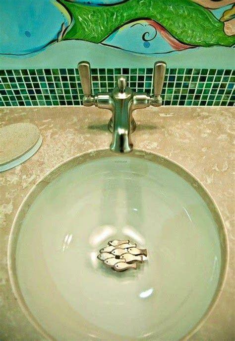 images  coastal bathrooms  pinterest porthole mirror nautical  seashells