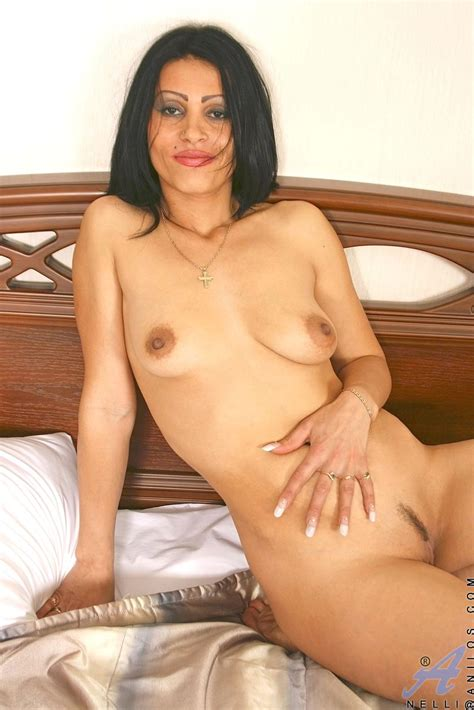 freshest mature women on the net featuring anilos nelli mature naked