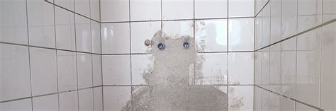 Fliesen Entfernen Wie Lange Dauert Das by Fliese Auf Fliese Verlegen Das Verfliesen Einer Dusche