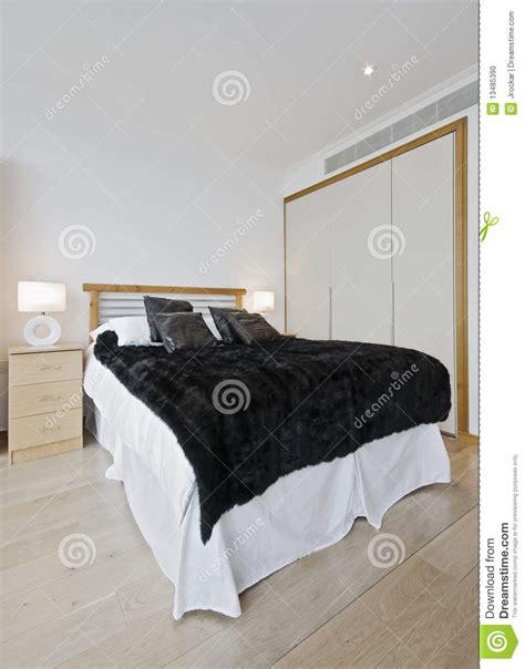 guardaroba da letto da letto con il guardaroba incorporato fotografia