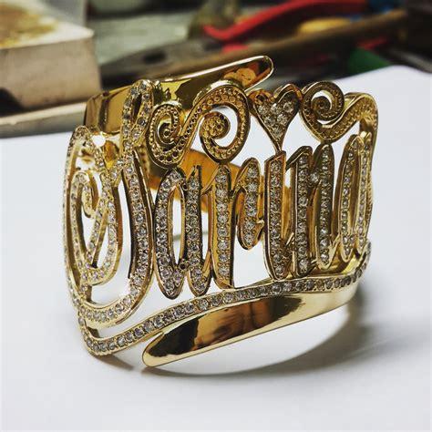 Gelang Rantai Geometris Perak gelang silang nama perak emas d miera designs