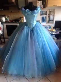 robe de mariã e cendrillon de disney cendrillon 2015 ella bleue robe