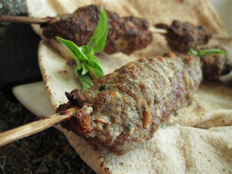 cuisine arabie saoudite cuisine du golfe persique les brochettes d 39 agneau quot kabab