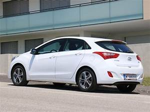 Hyundai I30 Alufelgen : hyundai i30 1 6 crdi testbericht auto ~ Jslefanu.com Haus und Dekorationen