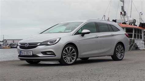 Opel Astra Review by Opel Astra Sports Tourer Review Changing Lanes
