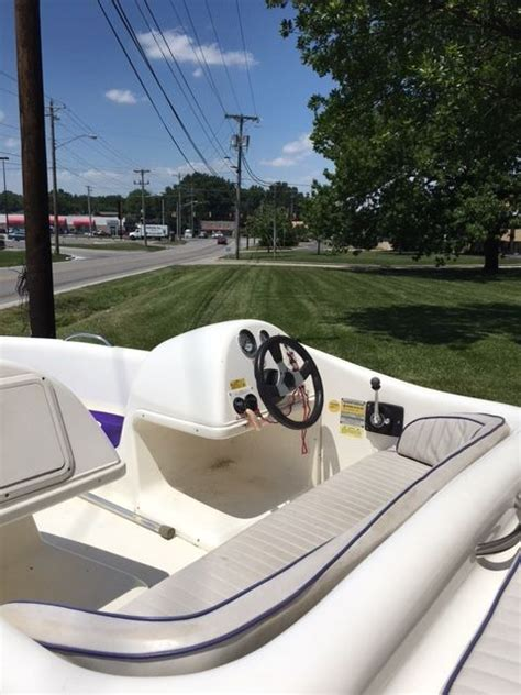 Donzi Jet Boat Engine by Donzi 152 Medallion Sport Jet 90 1994 For Sale For 1 000