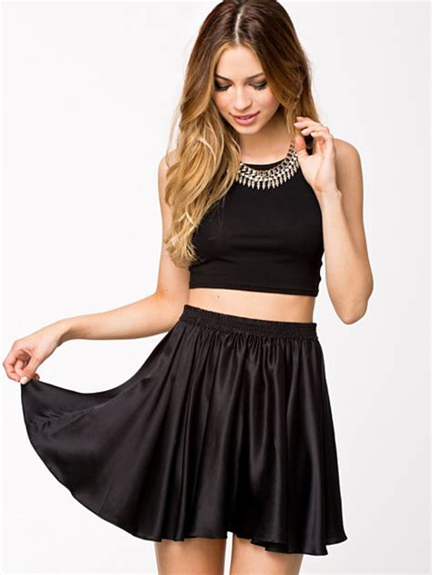 Basic Jersey Crop Top - Club L Essentials - Black - Tops - Clothing - Women - Nelly.com