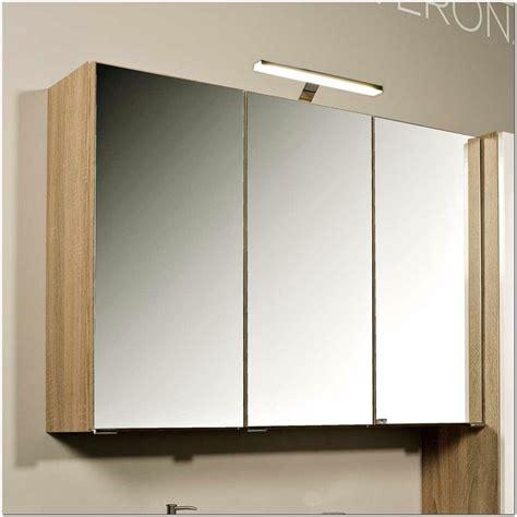 Badezimmer Spiegelschrank Mit Steckdose by Badezimmer Spiegelschrank Mit Beleuchtung Und Steckdose