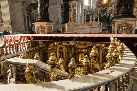 Basilica Di San Pietro Ingresso Ingresso Alla Tomba Di San Pietro In Vaticano Foto Stock