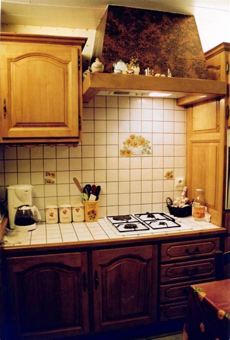 customiser une cuisine en chene cuisine rustique chene poignee de meuble de cuisine