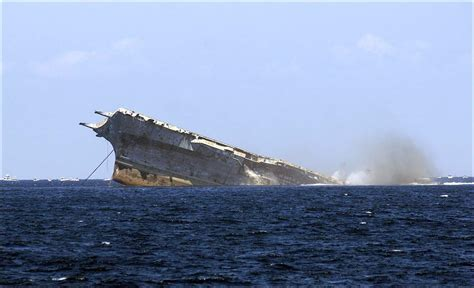Uss America Sinking Location by Sinking Of The Aircraft Carrier Uss Oriskany May 17 2006