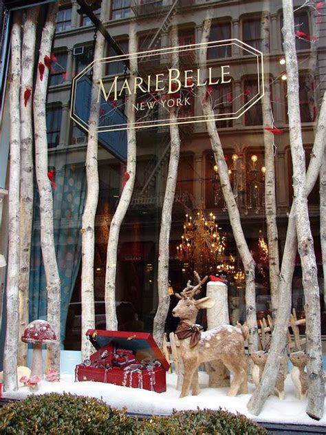 decor de noel pour vitrine make the most out of your shop display windows bright goods led