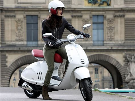 Lambretta V125 Special Wallpapers by 2014 Vespa 946 Motorcycle Review Top Speed
