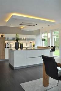 Kleine Led Leuchten : 1001 id es pour cuisine noire des conseils comment l 39 am nager selon les tendances cuisine ~ Markanthonyermac.com Haus und Dekorationen