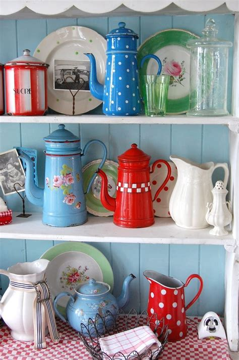 retro kitchen decor accessories vintage kitchen red blue turquoise vintage collections retro