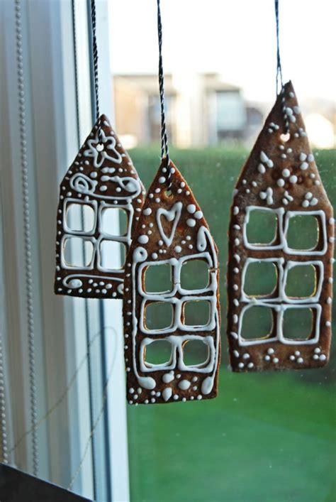 Fensterdeko Weihnachten Hängende fensterdeko zu weihnachten 67 bilder