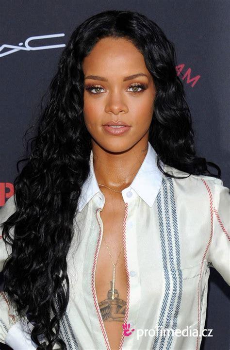 Rihanna   peinado de