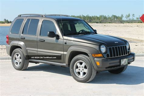 Introduced as a replacement for the cherokee (xj), the liberty was priced between the wrangler and grand cherokee. Immaculate 4wd 2006 Jeep Liberty