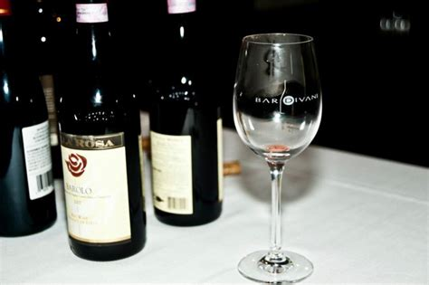 Bar Divani Offers Weekly Wine Education
