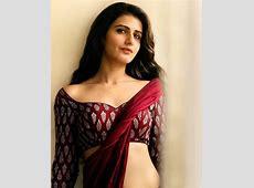 Fatima Sana Shaikh redefines the term 'simple is sexy' as