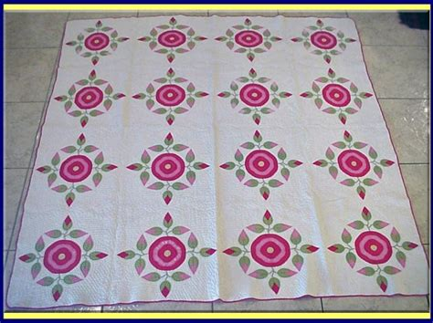 Antique Handmade American Quilt C1820 Rose For Sale