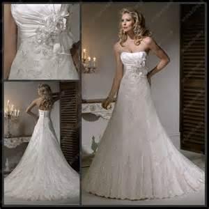 beautiful lace wedding dresses beautiful strapless chapel lace wedding dresses