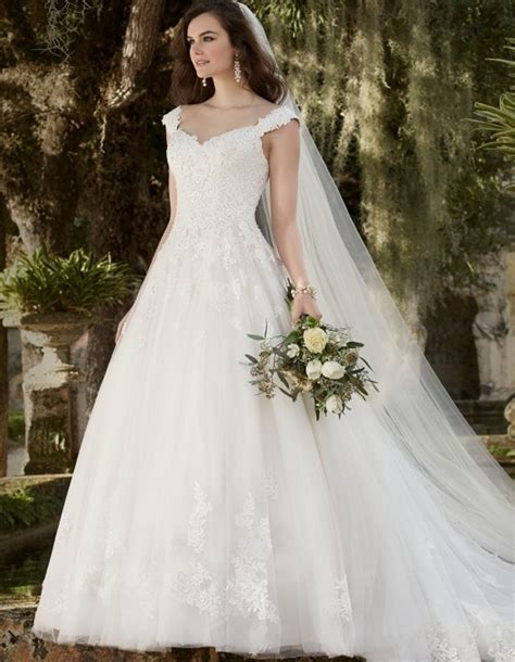 romantic princess ball gown  china lace country