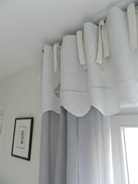 chambre parentale suite fin la maison du inspirations avec tringle a rideau sur caisson volet