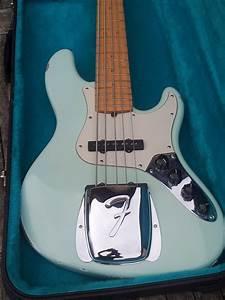 American Deluxe Jazz Bass V  2002-2003  Fender