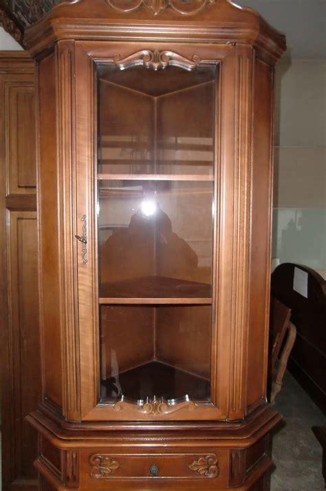 soggiorni ad angolo soggiorno vetrinetta ad angolo in noce artigianale
