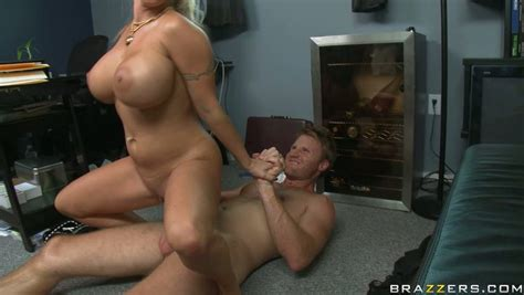 Busty Trollop Holly Halston Bounces On A Cock Like A Baloon