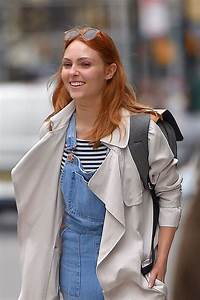 AnnaSophia Robb Spotted out and about in New York City ...