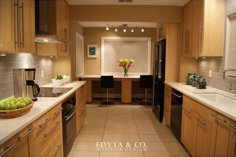 warm white kitchen cabinets 25 best ideas about maple cabinets on maple 7006