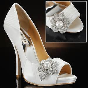 wedding shoes badgley mischka badgley mischka bridal shoe 1 bridal gown pearl shoes and pearls