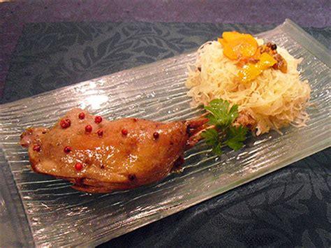 cuisiner des cuisses de canard cuisses de canard confites au four la recette facile par toqués 2 cuisine