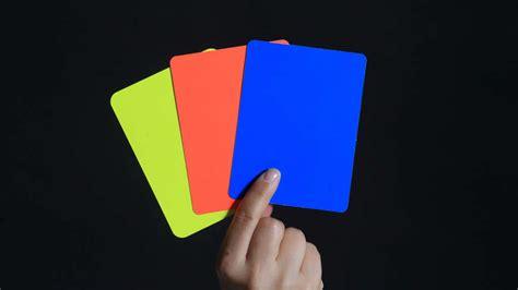 was bedeuten gelbe handball das bedeuten gelbe karte rote karte blaue karte und zeitstrafe handball