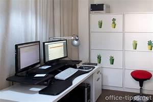 Schreibtisch Zum Hochklappen : mein monat mit dem varidesk einem schreibtischaufsatz zum arbeiten im stehen und sitzen ~ Sanjose-hotels-ca.com Haus und Dekorationen